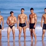 мужчины на пляже